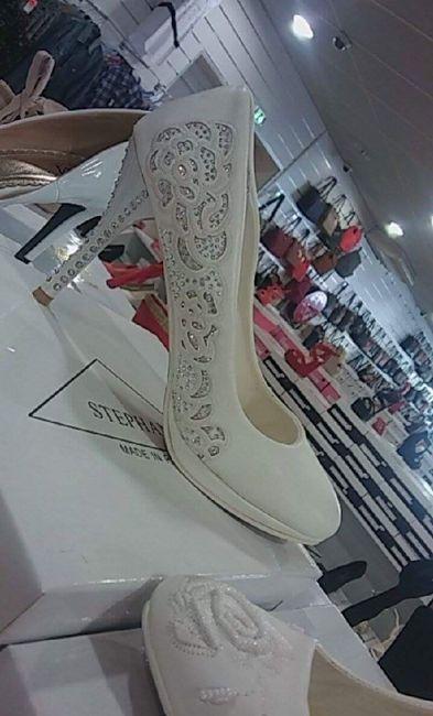 Chaussure laquelle préférez voue - 1