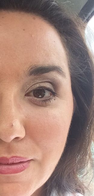 Maquillage par une chaine type nocibé etc - 1