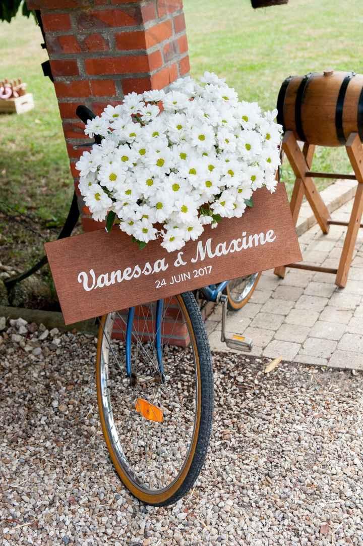 Vélo et fleurs