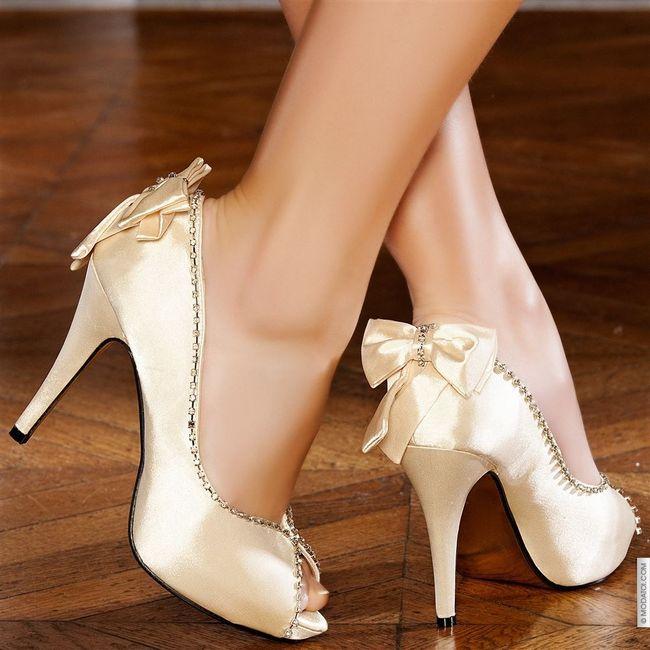 quelles chaussures avec une robe ivoire page 2 mode. Black Bedroom Furniture Sets. Home Design Ideas