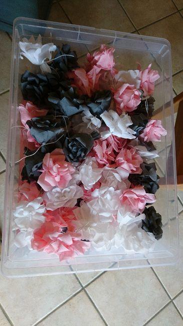 Fleurs en papier cr pon d coration forum - Decoration en papier crepon ...