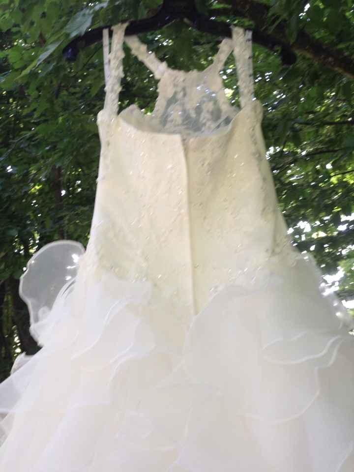 Ma robe dans la forêt et devant un étang - 2