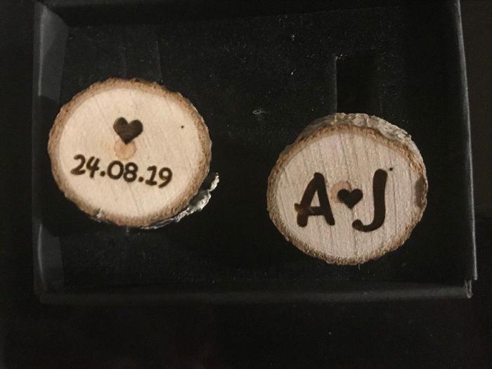 boutons de manchette personnalisés en bois de chêne brut
