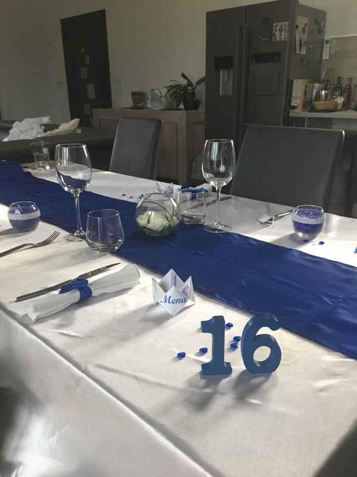 Essaie table bleu roi - 1