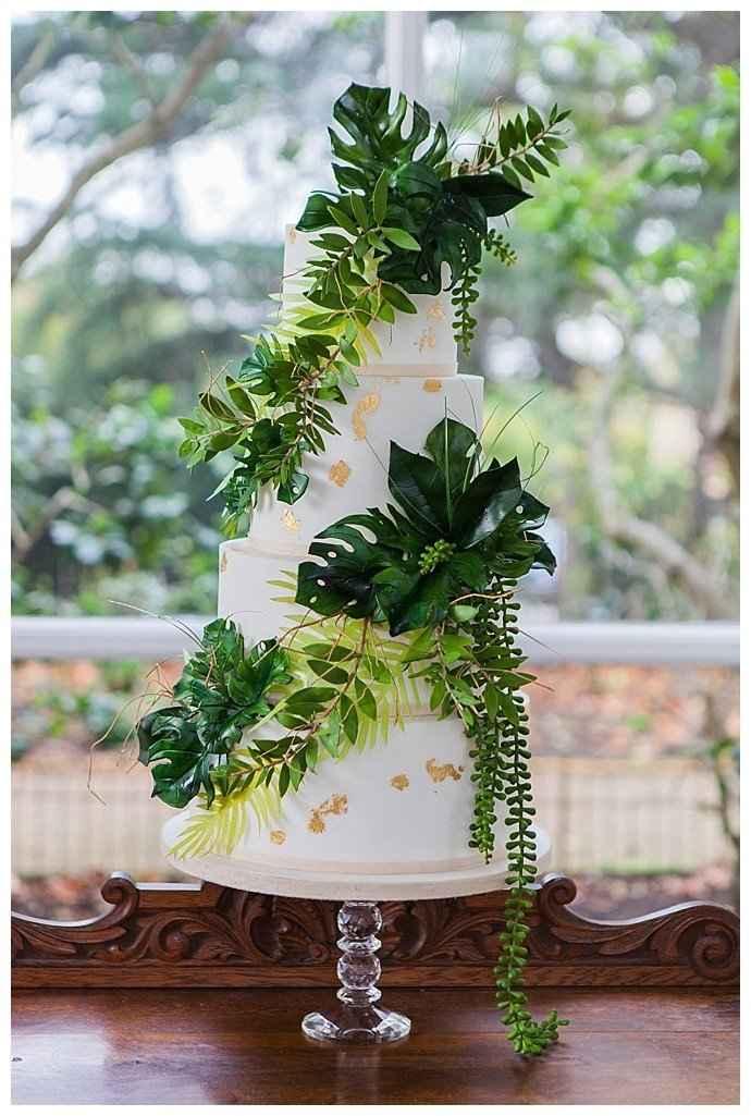 Jungle Wedding Cake