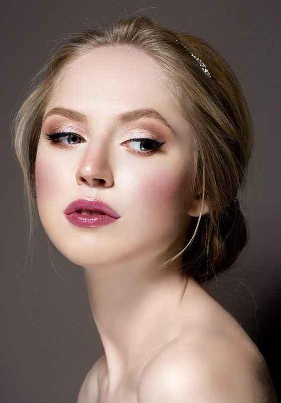 Make Up - Blonde, yeux bruns, pâle 6