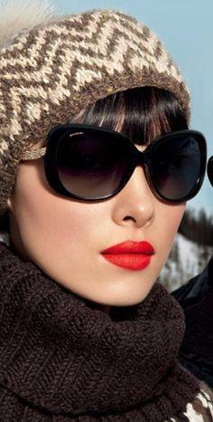 A : des lunettes grande protection