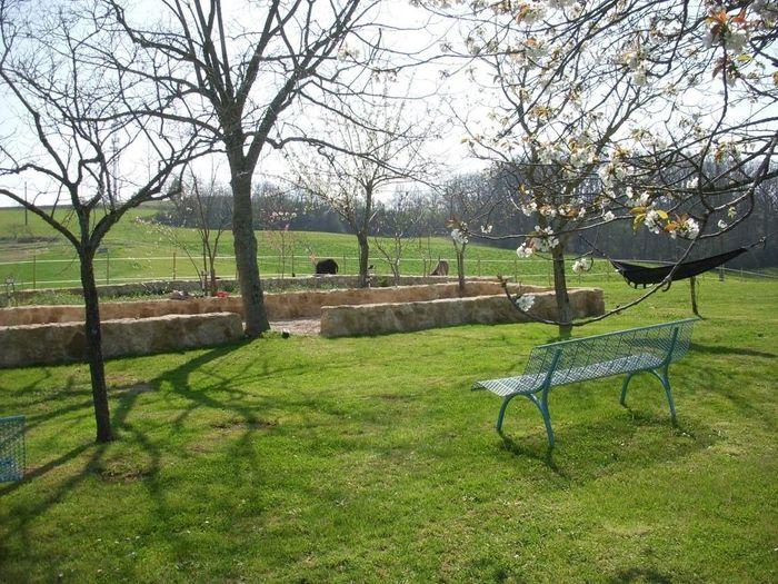 Le Domaine de Beaulieu - le jardin pour la cérémonie si le soleil nous accompagne