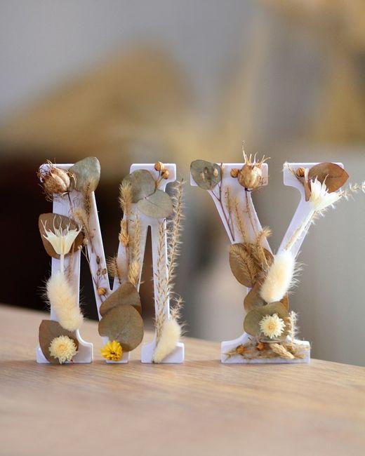 Lettres déco avec fleurs séchées - 1