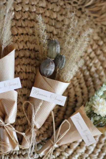 Cadeaux invités magnets en fleurs séchées 3