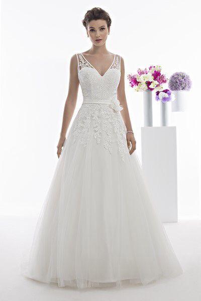 Robe de mariée classique ou...plus originale? Votez 😃 8