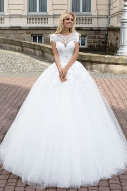 Robe de mariée classique ou...plus originale? Votez 😃 12