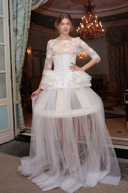 Robe de mariée classique ou...plus originale? Votez 😃 13