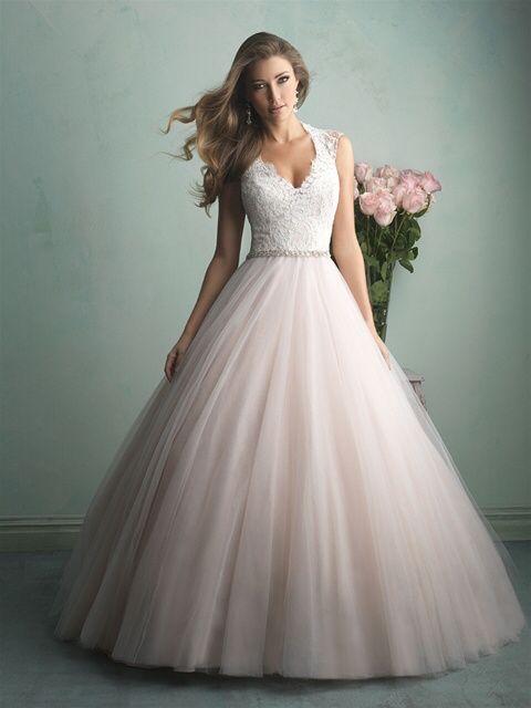 Robe de mariée classique ou...plus originale? Votez 😃 24