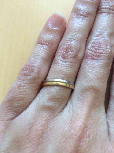 Photo de vos mains avec alliance - 1