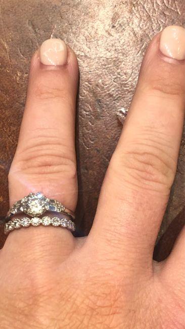 Qui porte une bague de fiançailles ? 9