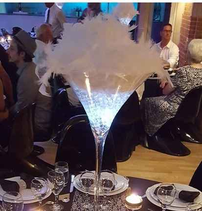 Plume dans vase martini - 1