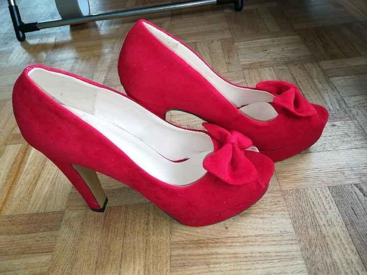 Chaussures trouvée et robe en préparation - 2