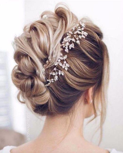 Inspiration : les coiffures des mariées 21