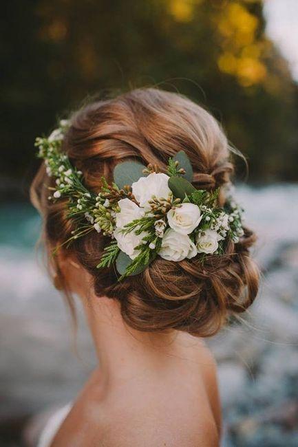 Coiffure De Mariee Avec Fleurs Beaute Forum Mariages Net