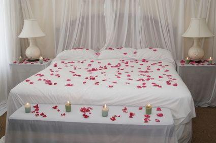 Une déco romantique pour la chambre de votre nuit de noces ...