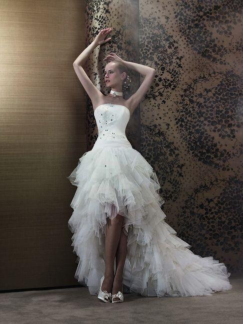 ab33b8a7c4 Vestidos de novia cortos por delante y largos por detrás 6