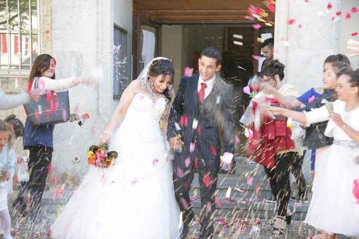 pluie de fleurs et confettis