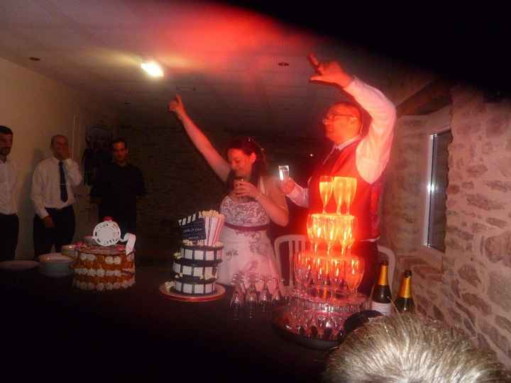 gâteau et fontaine à champagne