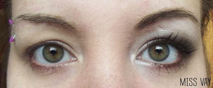 Maquillage mari e yeux paupi res tombantes beaut for Miroir pour se maquiller