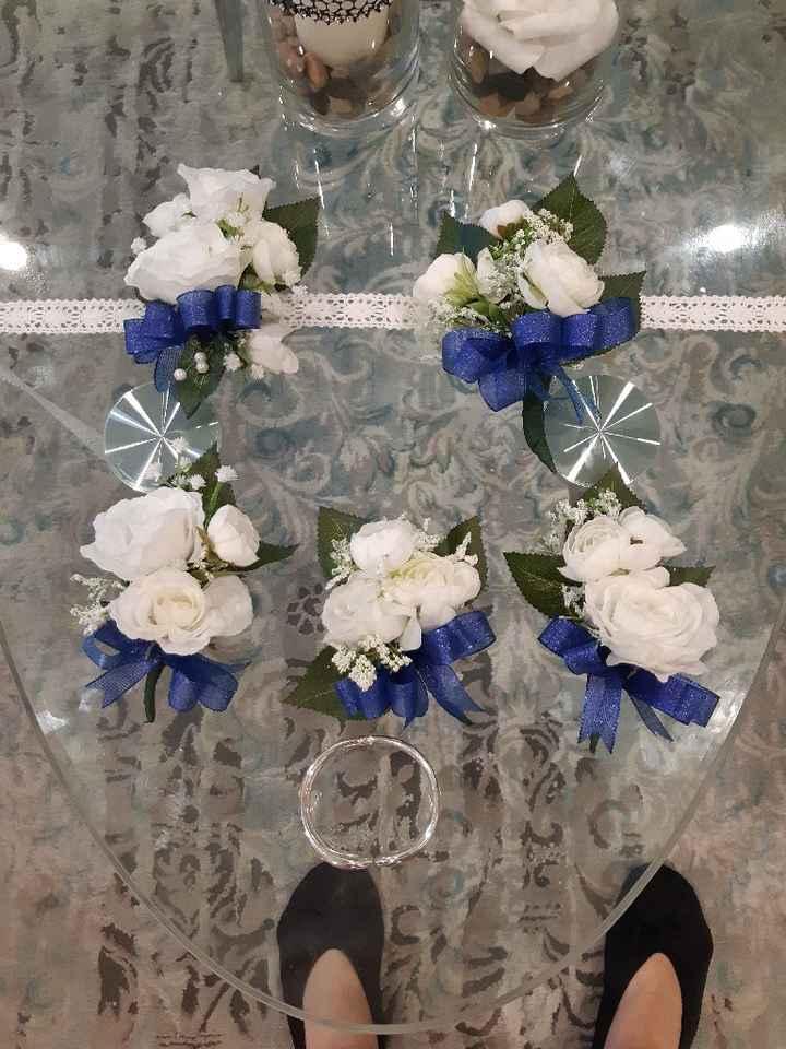 Bracelets de fleurs et boutonnières - 1