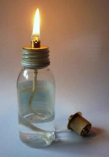 Lampe à huile dans flacon DIY