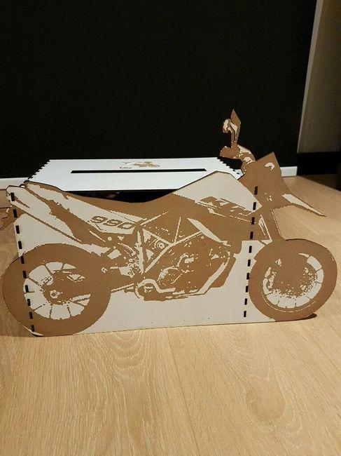 notre mariage sur le th me de la moto d coration forum. Black Bedroom Furniture Sets. Home Design Ideas