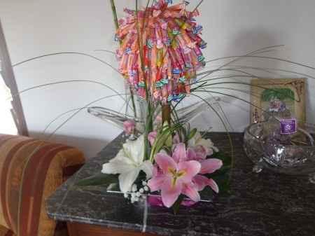 arbre a bonbon carambar habillé de fleur