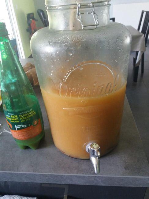 Voilà ce qu'il me reste sur 24 litres de punch lol (pour 65 personnes adultes qui boivent bien)