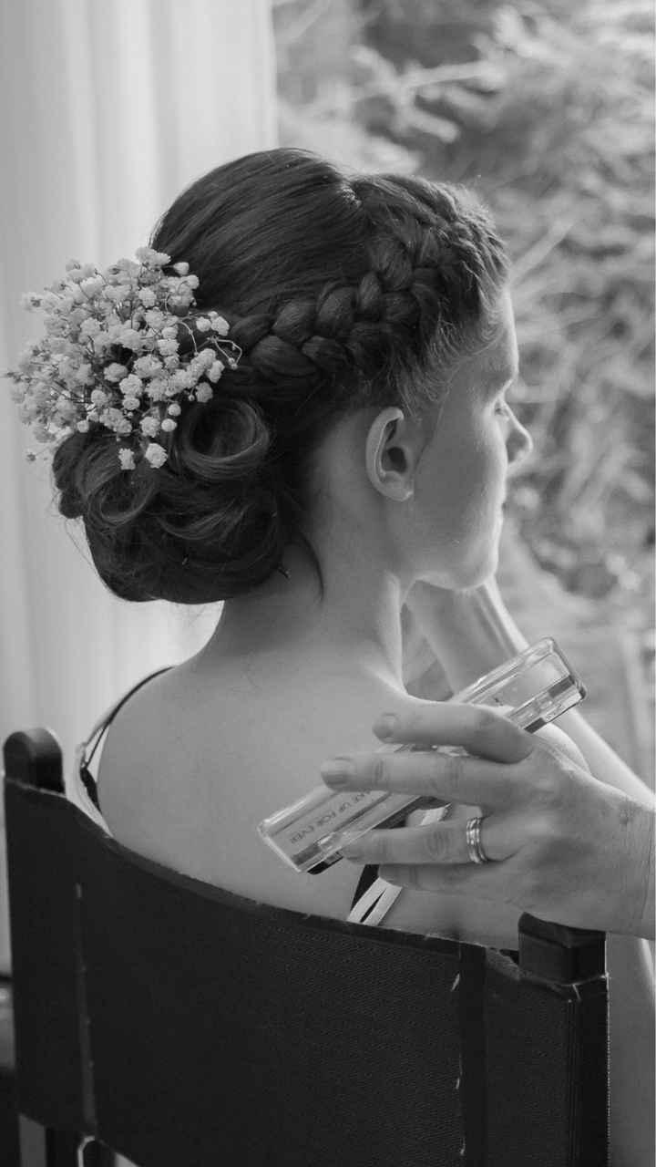 Roses....cheveux. ..jolies coiffures. .. - 1