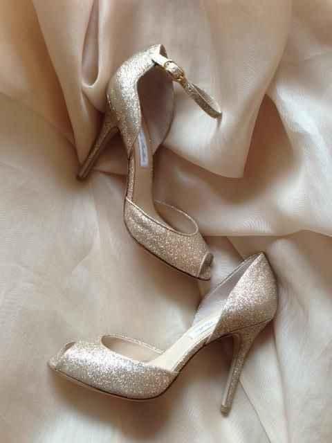 Chaussures à talons 🆚 chaussures plates . - 1