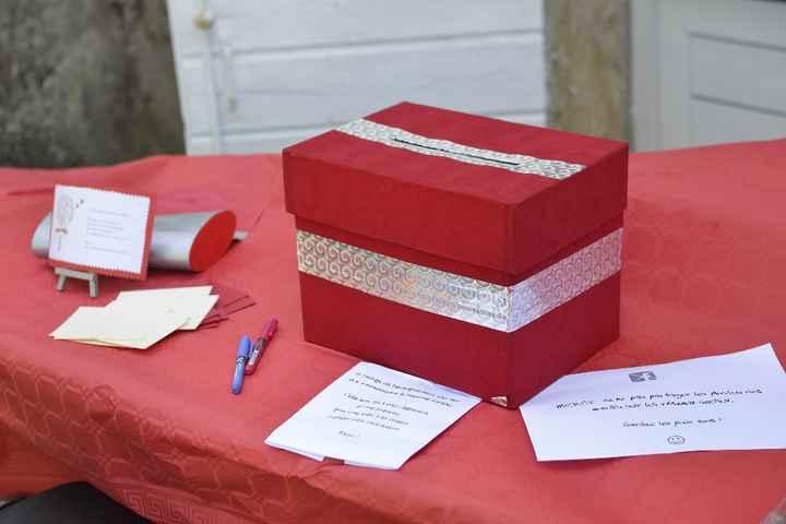 Notre urne et livre d'or