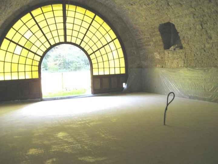 Porte d'entrée du caveau