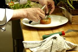 Chef cuisinier au travail