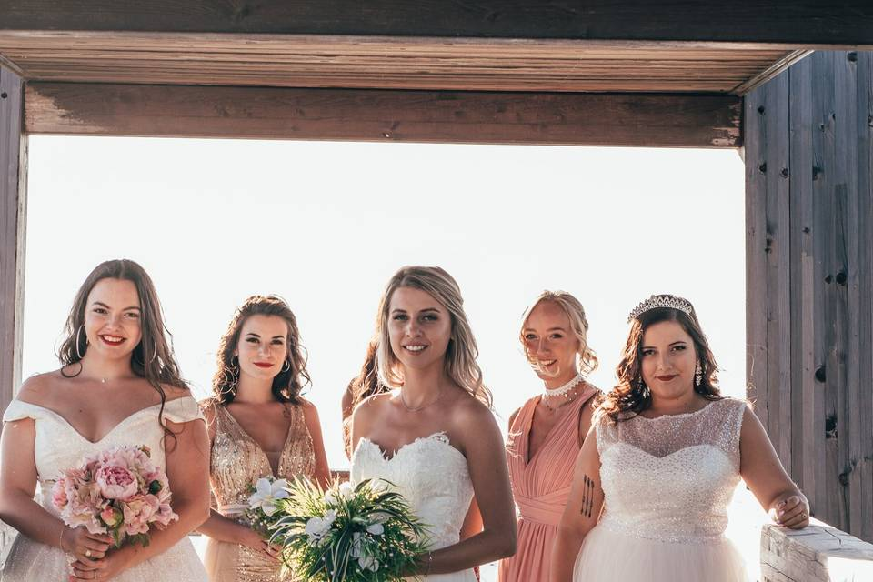 Mariées et témoins