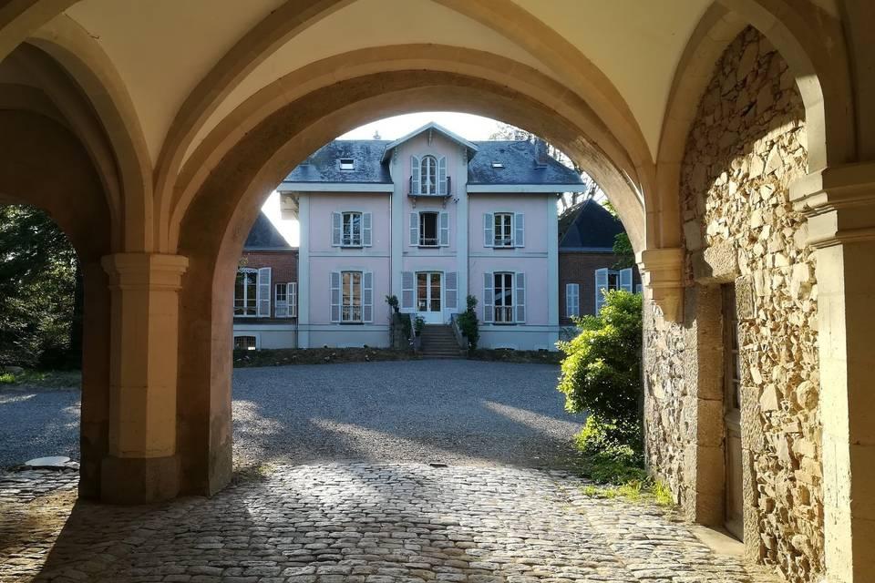 Le château et son entrée