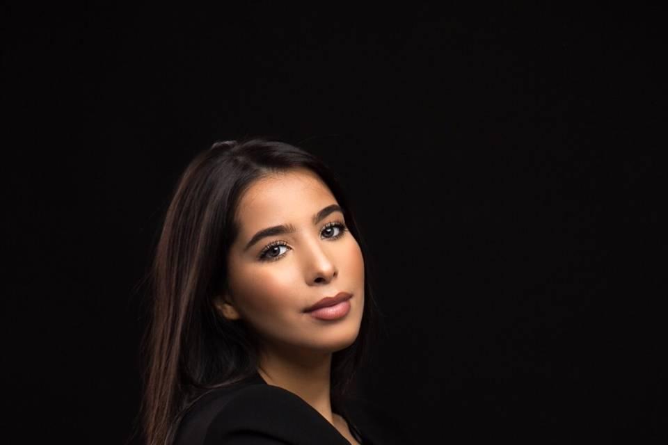 SARA SEHANINE : maquilleuse