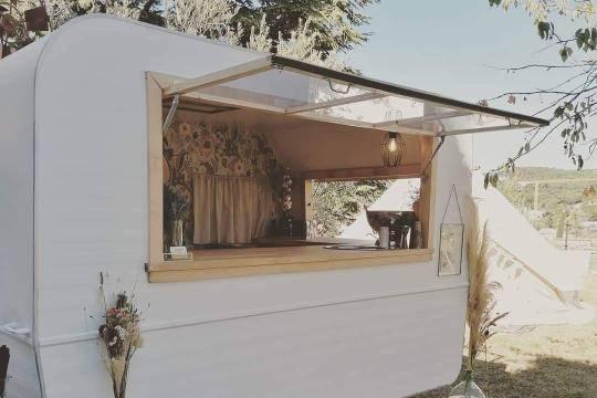 La Roulotte Caravan Bar