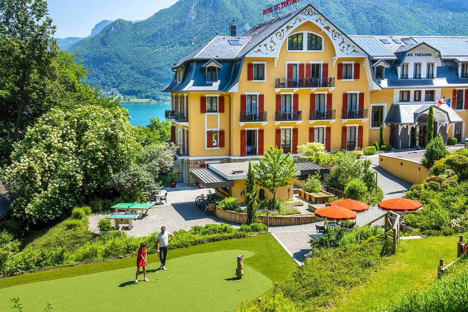 Les Trésoms - Lake & Spa Resort