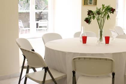 Table ronde pour 8 personnes