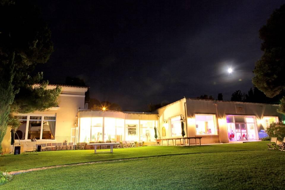 Villa Khariessa de nuit