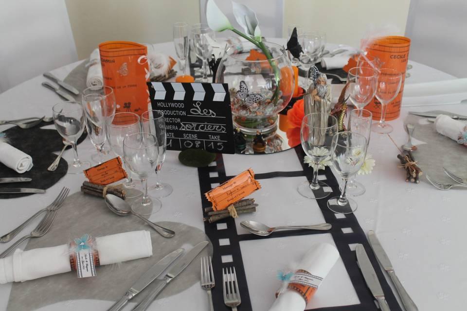 Table en orange thème Sorciers