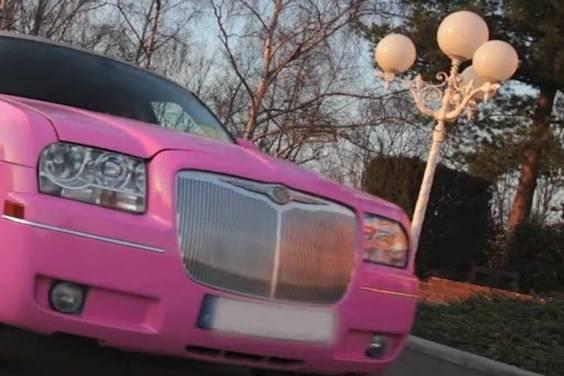 Location de limousine rose