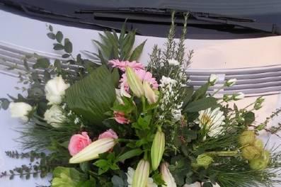 Composition florale pour voiture