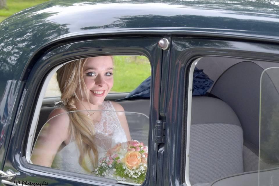 La mariée dans la Traction